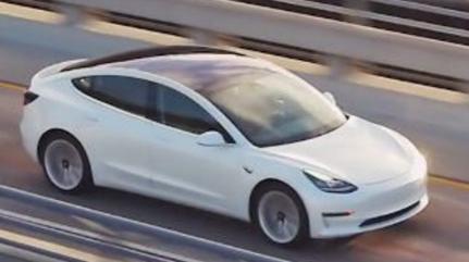 汽车资讯:特斯拉Model 3推出了极简风格的入门级车型