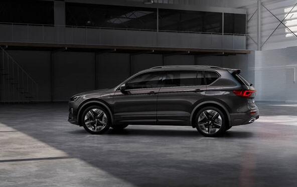 汽车动态:计划在SEAT扩大其电动阵容的同时推出性爱运动型SUV混合动力车