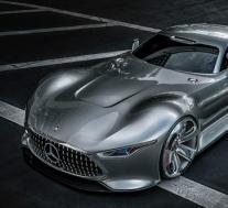 梅赛德斯奔驰AMG的2018 F1赛车在银石赛道上亮相