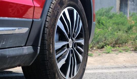 汽车头条:评测荣威RX5 1.5T手动挡怎么样及长安CX70T多少钱