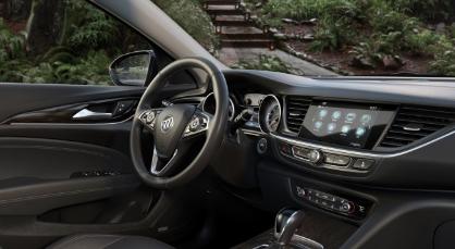 汽车实时新闻:别克的新款Regal TourX软式旅行车由于价格高昂而具有极高的价值
