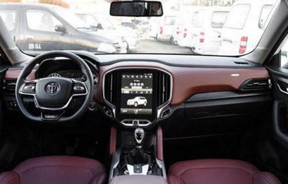 汽车今日看点评测中华V6怎么样及绅宝X25多少钱