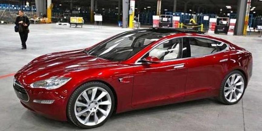 特斯拉全轮驱动全能电动汽车制造商简化了Model S的阵容