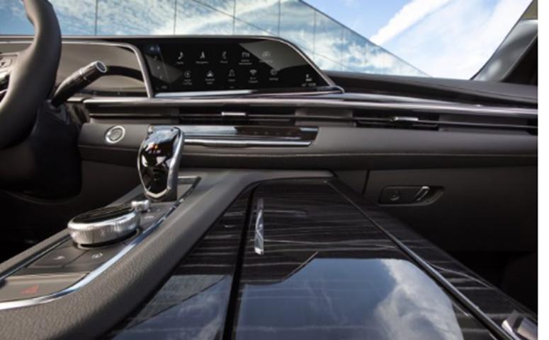 汽车头条:凯迪拉克推出具有420 HP 曲面OLED屏幕和36扬声器音响系统的2021 Escalade