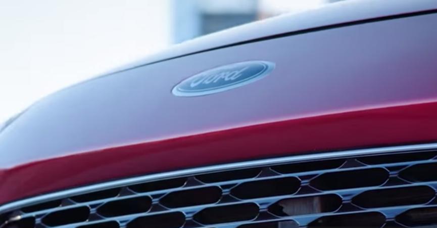 全新的2020年福特Escape拥有巨大的后徽章