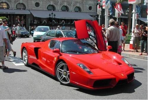 法拉利恩佐价格_弗洛伊德·梅威瑟的法拉利恩佐以330万美元的价格拍卖_蜀车网