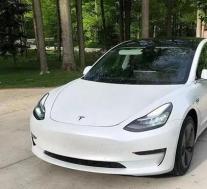 特斯拉Model 3将在自动驾驶仪关闭的情况下应用纠正性转向
