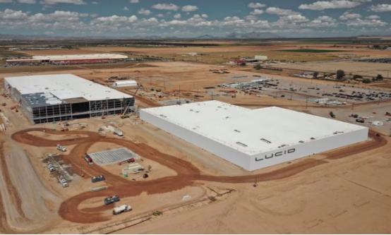 Lucid发布了其电动汽车工厂的新照片