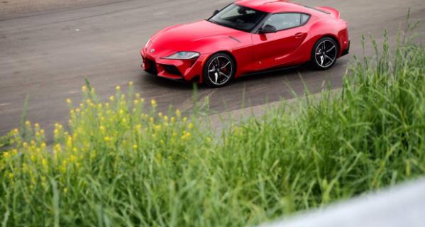2020年丰田Supra终于到达美国经销商处