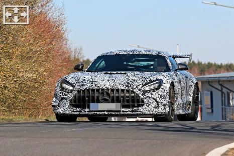 汽车资讯:传闻2021梅赛德斯AMG GT R黑色系列711匹马力