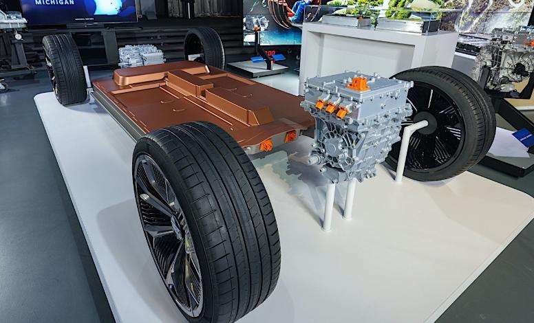 两辆将在通用汽车平台上修建的本田新的电动汽车使用铀电池