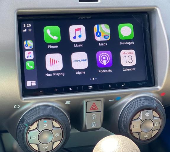 新车资讯:搭载Apple CarPlay的2010雪佛兰Camaro看起来像是一项现代技术