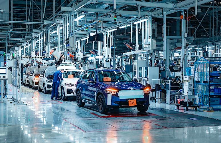 宝马制造了200辆测试iX3 SUV,电动汽车现已开始量产