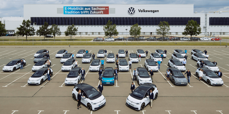 大众汽车与150名员工一起测试了第一批ID.3电动汽车