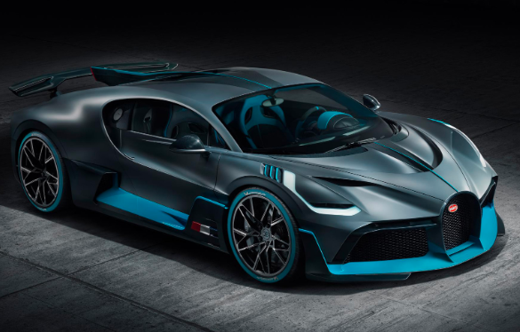 布加迪迪沃(Bugatti Divo)席卷纽伯格林(Nürburgring)