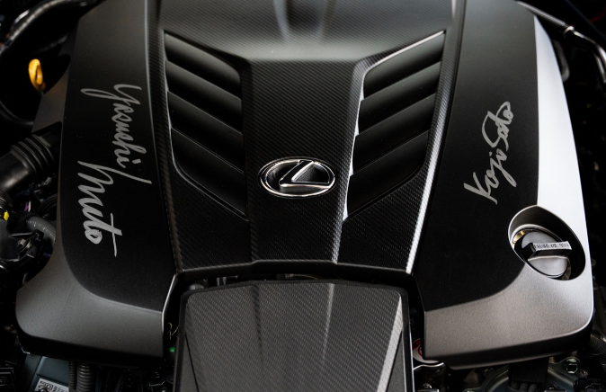 首批2021年雷克萨斯LC 500敞篷车在慈善拍卖会上以200万美元的价格售出