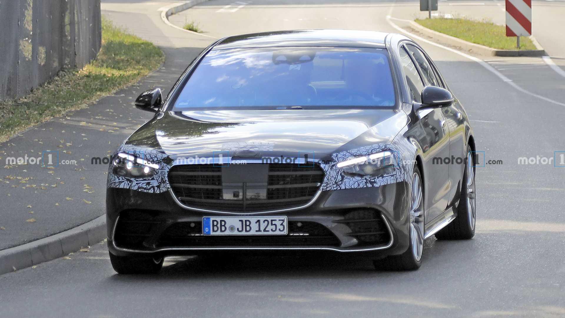 新的Mercedes-AMG S63成为插电式混合动力,约有800 HP吗?