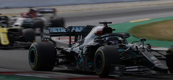 梅赛德斯-AMG的刘易斯·汉密尔顿在2020年一级方程式西班牙大奖赛