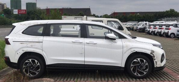 在中国发现的新型现代Custo小型货车