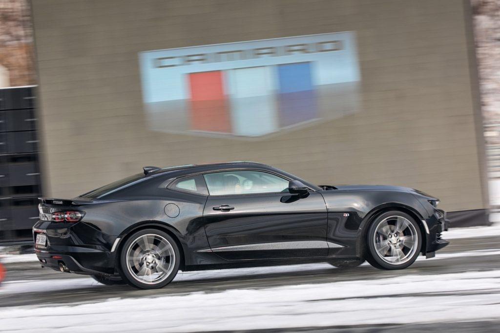 2021年,雪佛兰Camaro增加了两个新的排气门作为官方配件