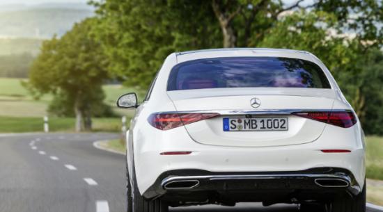 据报道,新款梅赛德斯-AMG S63e和S73e的功率高达805马力