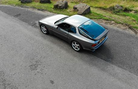 保时捷944 Turbo S成为真正的公路跑车