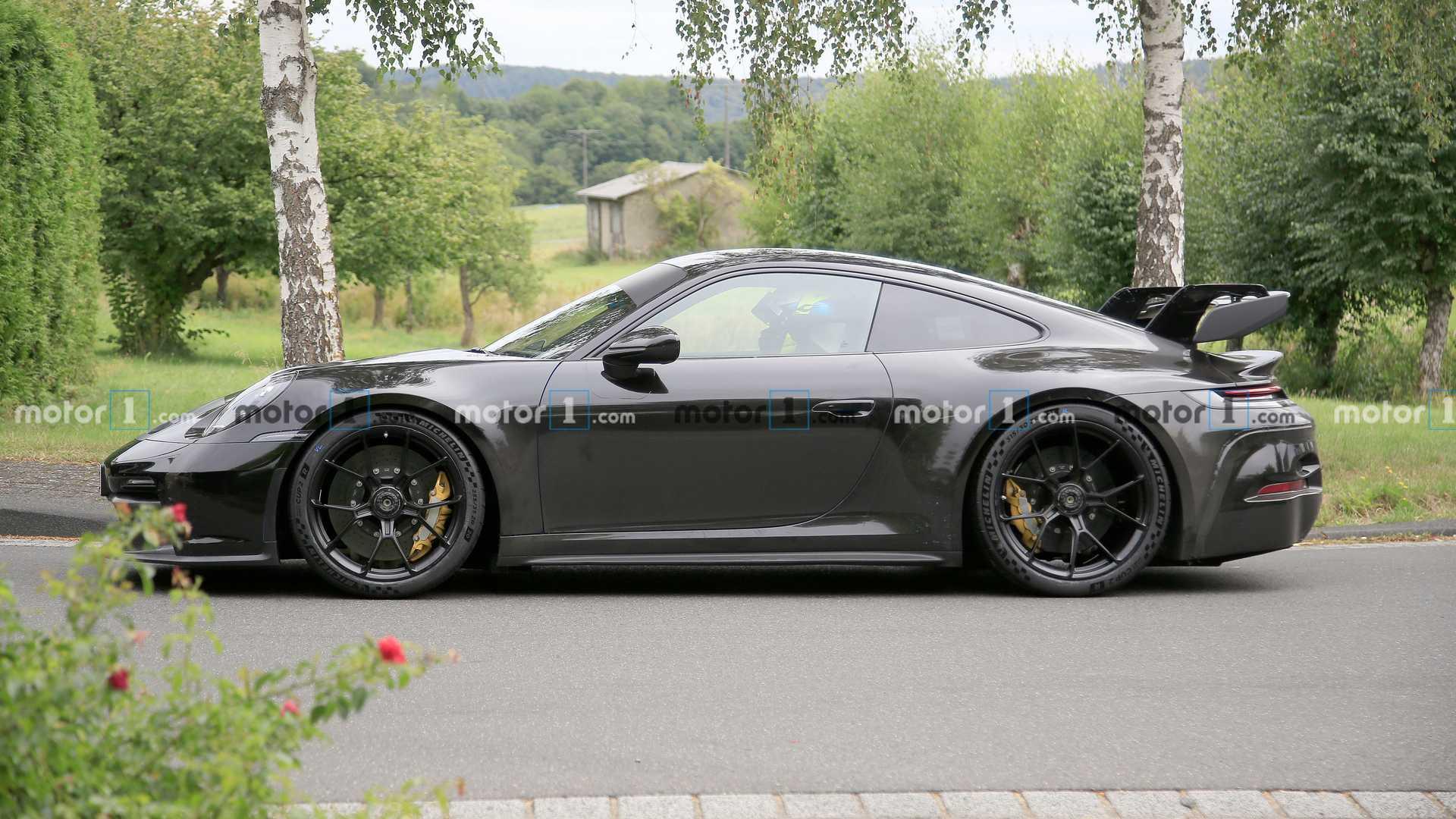 保时捷911 GT3与其前辈兄弟姐妹齐名
