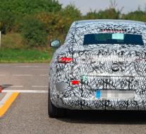 2022年梅赛德斯-奔驰EQS原型的内饰图片