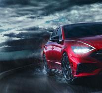 现代的2021奏鸣曲 N Line采用了引人注目的轿车,并增加了外观,功率