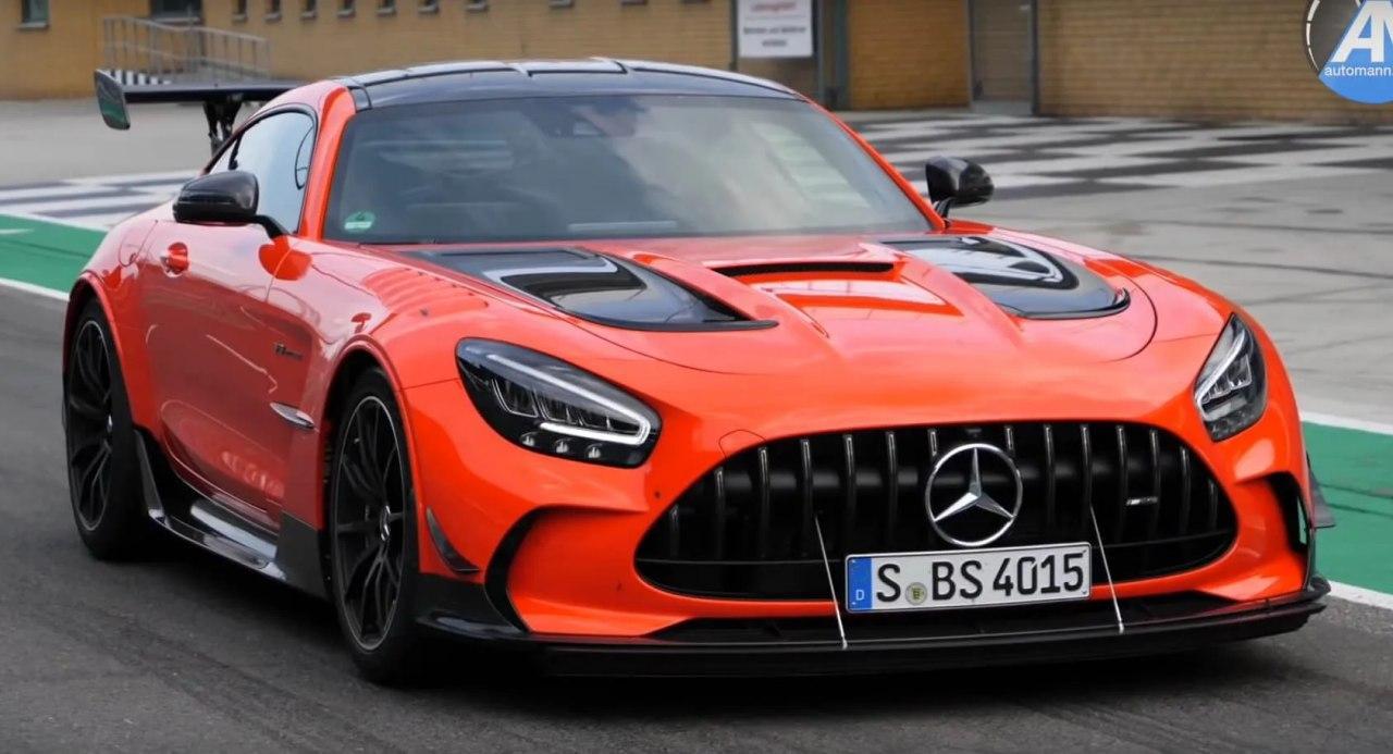 汽车资讯:看看全新的2021梅赛德斯AMG GT Black系列真的有多快