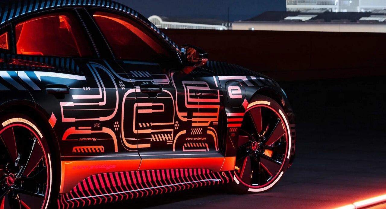 汽车资讯:2021年奥迪ETron GT在大型图片库中被嘲笑热的ETron GT RS变体已确认