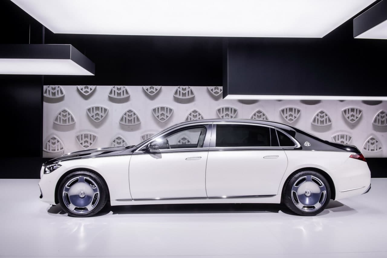 全新梅赛德斯-迈巴赫S级车将重新定义专职司机驾驶的豪华轿车