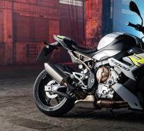 2021年宝马S 1000 R首次亮相并采用现代技术