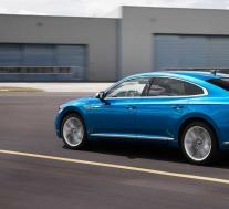 大众开始销售Arteon插电式混合动力车