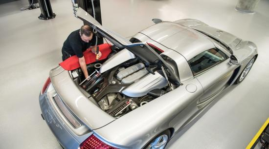 这款保时捷Carrera GT已被拆解和重建78次