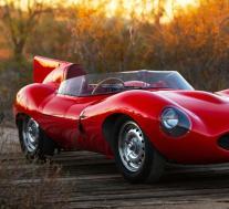 伯尼·埃克莱斯顿的超级稀有捷豹D型赛车待售