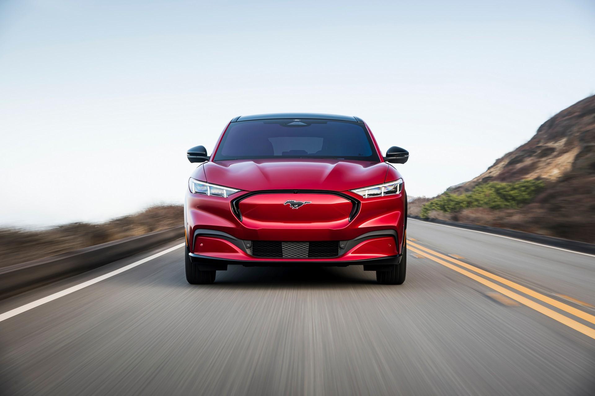 到2025年,福特将电动汽车和自主投资增加至290亿美元