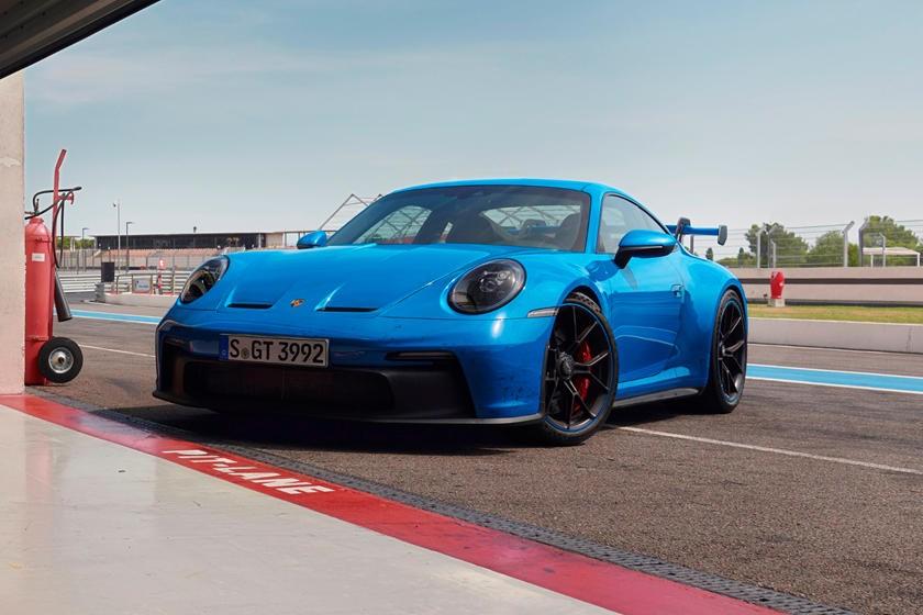 观看新款911 GT3在擂台上撕裂
