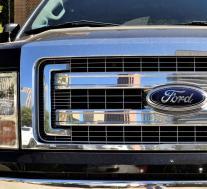 福特召回旧卡车和新野马运动