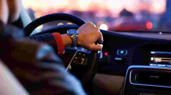 iPhone组装商富士康今年将协助推出电动汽车
