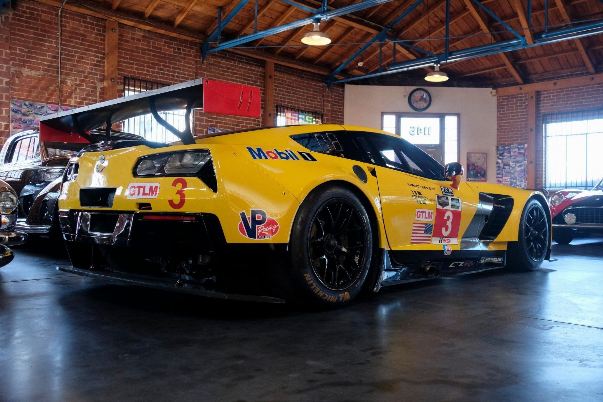 您可以购买勒芒赛车的2014年雪佛兰Corvette C7.R