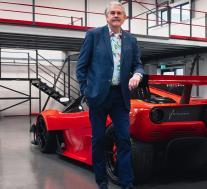 戈登·默里的狂野T.50s Niki Lauda以430万美元的价格提供725马力的赛道驾驶极乐