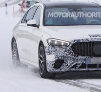 2022年梅赛德斯·奔驰AMG S63e谍照曝光:插电式混合动力超级轿车