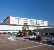 由于芯片短缺,特斯拉在帕洛阿尔托削减了Model 3的产量