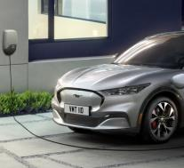 福特首席执行官表示美国需要制造更多电动汽车电池