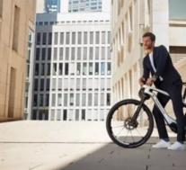 保时捷推出售价超过8,000美元的电动自行车