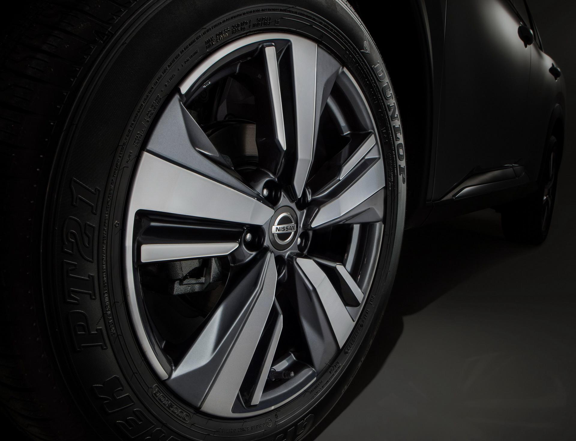 日产生产了某些2021年Rogue suv,带有Maxima车轮螺母