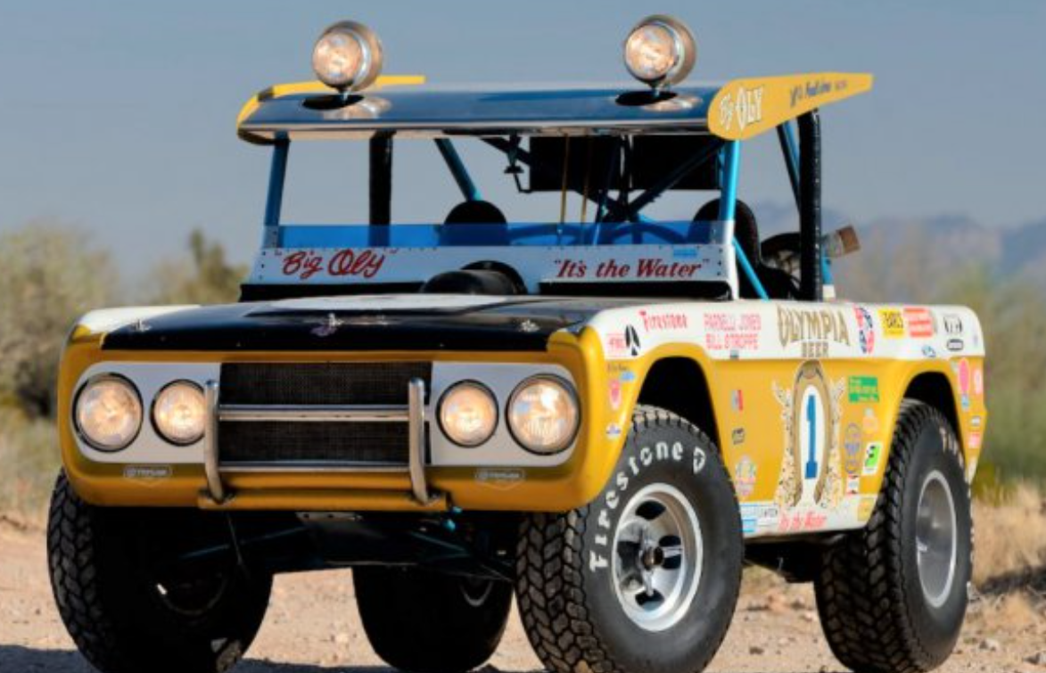 """汽车动态:帕内利·琼斯的巴哈赛车""""Big Oly""""福特野马以 187 万美元售出"""