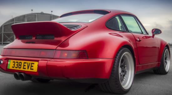 这款964代保时捷911可提供500 hp的动力