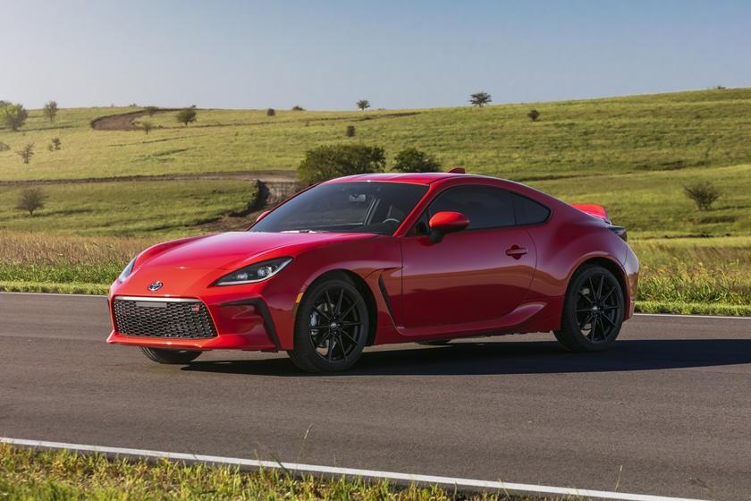 汽车动态:2022年丰田 GR 86 以更强的火力和新的造型首次亮相
